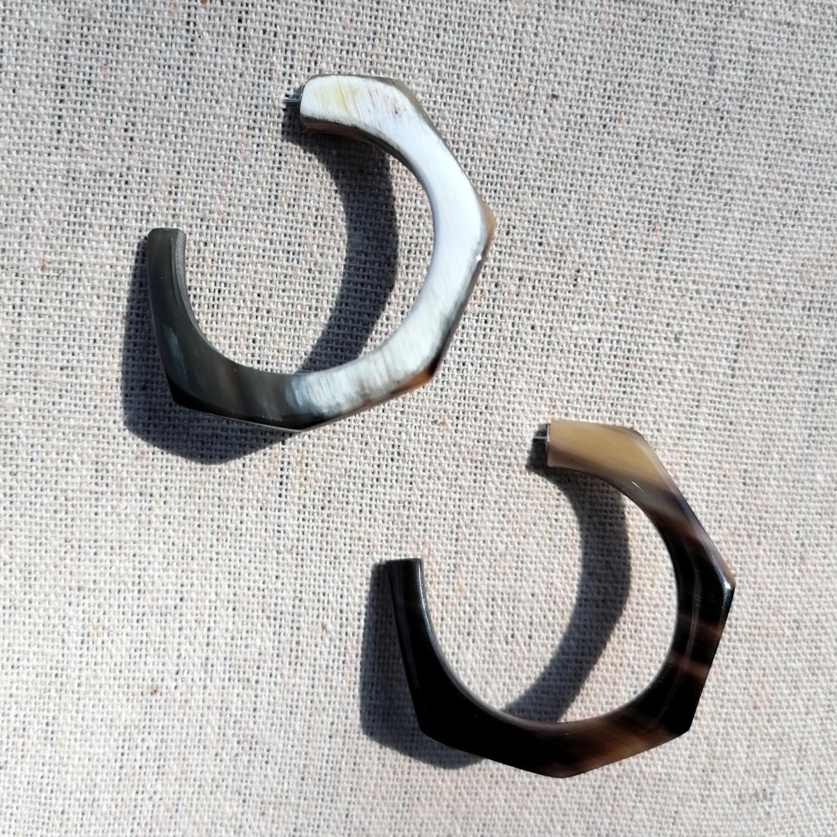 Hornohrringe, handgemacht und fair gehandelt