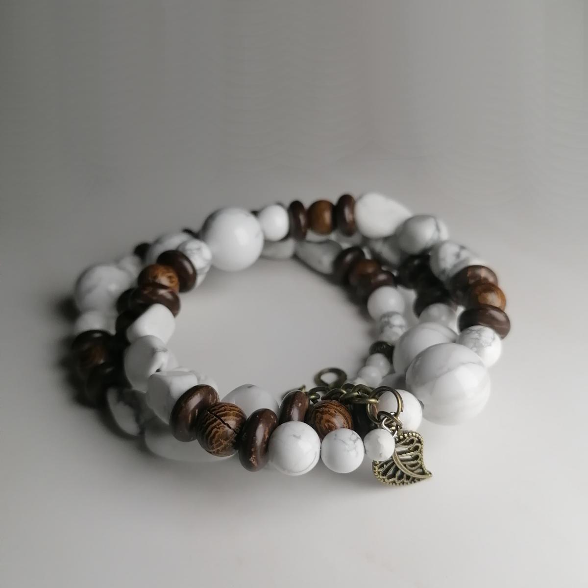 Howlith, Kokos, Holzperlen, ein wunderschönes Armband