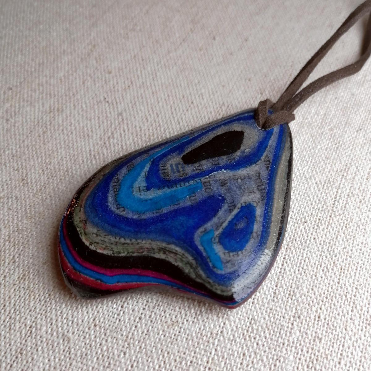 contemporary micarta jewellery art from Salzburg, Austria