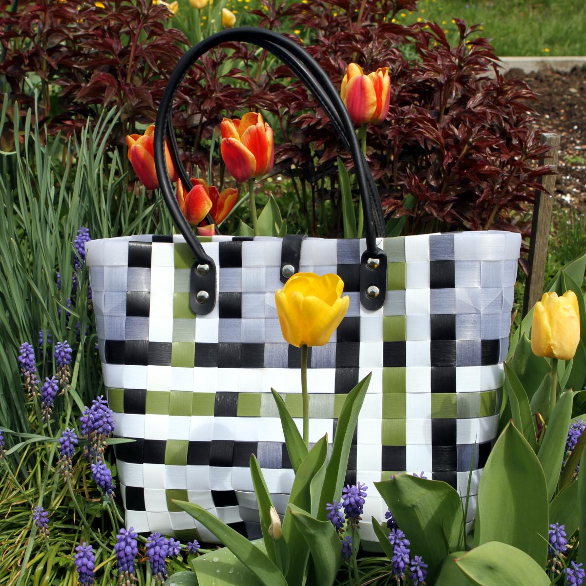Tasche im Frühling