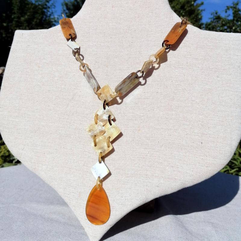 Geschenkideen zum Valentinstag: Elegante Hornkette