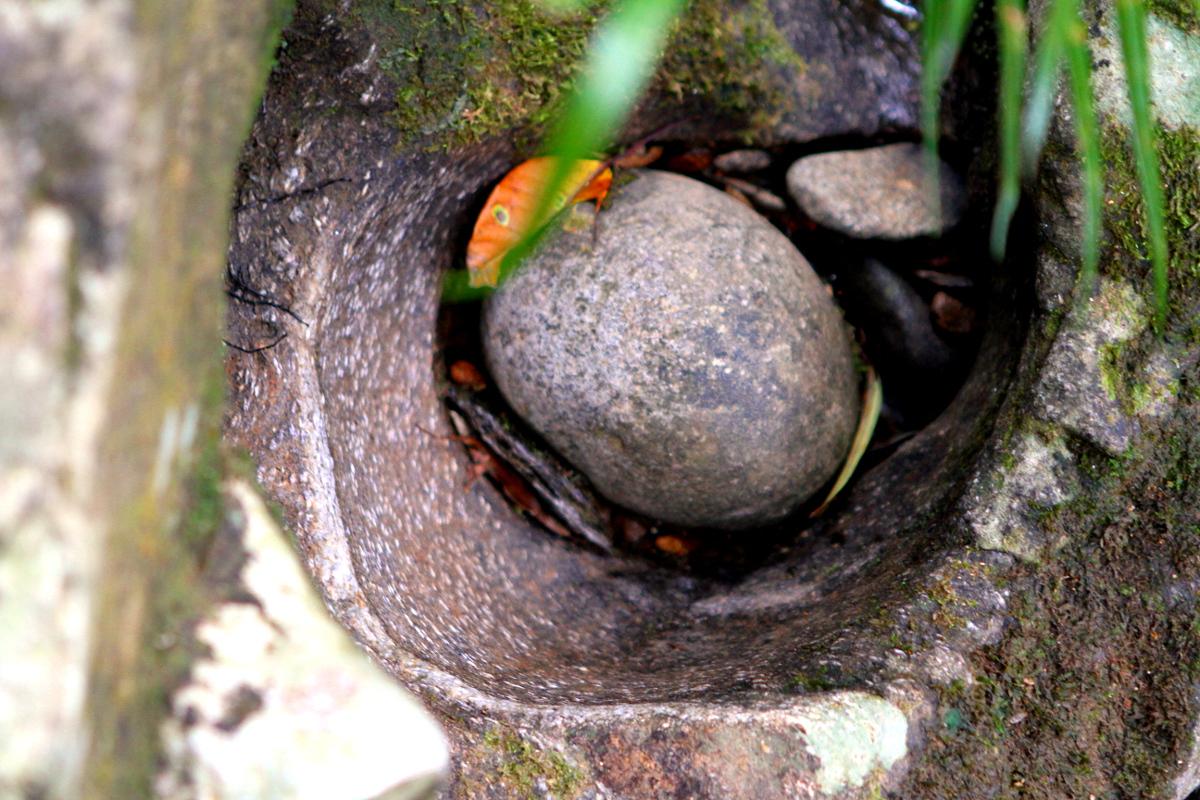 Natürliche Kugelmühle im Bach Ma Nationalpark in Vietnam